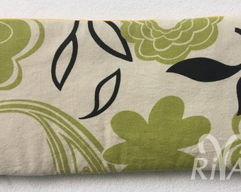 RivAgo clutch in ivory, green and black