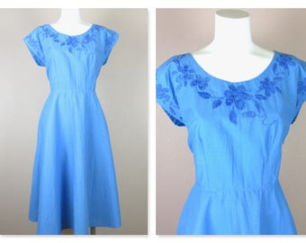 Vintage 1940s 1950s Cotton Summer Dress, Periwinkle Blue, Hand Embroidered, Home Sewn, Kimono Sleeves, Small / Medium Size