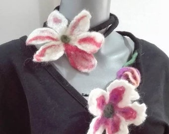 Motherday's gift felt flower necklace Wet felt necklace felt jewelery floral wool necklace pure wool felt flower women's gift for her