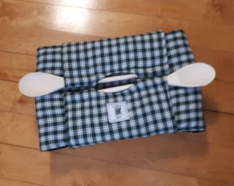 Green & white gingham Insulated Casserole Carrier with wooden spoons.