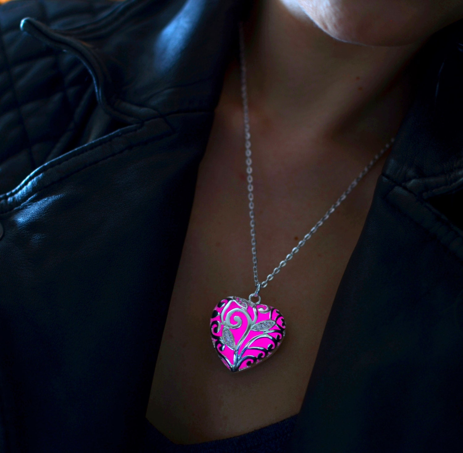 superfect new drop stone glow product jewelry fashion in hollow the pendant water necklace glowing locket dark silver
