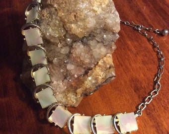 "16"" Vintage Mother of Pearl Necklace ~ Perfect!!"