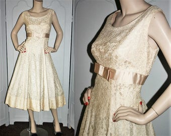 Vintage 60's Formal Dress in Off White Lace and Satin Ribbon Trim. Medium to Large.