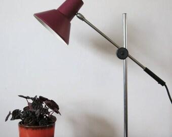 Vintage Mid Century Modernist Adjustable 20th Century Desk Lamp