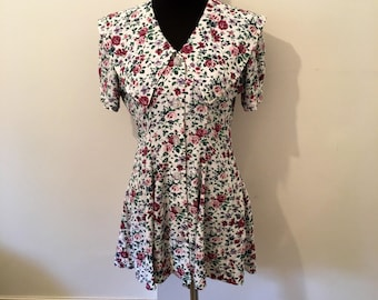 Vintage 70s ROSE PATTERN mini dress with large oversized collar