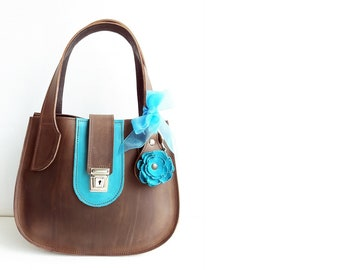 CLEMMIE Keyfob Retro. Vintage inspired Leather handbag, 3553 Walnut, seaside