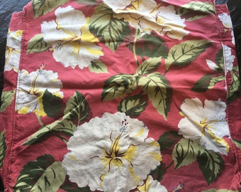 "Vintage 1940s Cotton Fabric Pillow Cover // 22x22.5x3.5"" > large print hibiscus cotton with snaps to close"