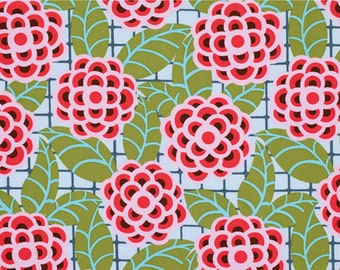 SALE - 1 yard, Tea Rose in Silver, Cameo collection by Amy Butler