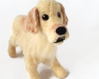 Custom Golden Retriever model  - needle felted plushie dog sculpture