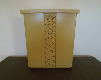 Vintage Hamper Gold Fesco Mod 60s Daisy Small Space Storage