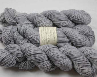 Silver Bells Unbowed DK yarn 100% super wash merino
