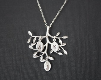 Lovely family Tree necklace with customized initial leaves- STERLING SILVER - Mom's necklace, Options for leaf to choose, Mother's day gift