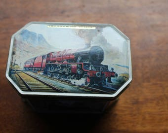 Mid Century J.E. Hastings Ltd  Hinged Toffee Tin Depicting Five Steam Trains - Made In England