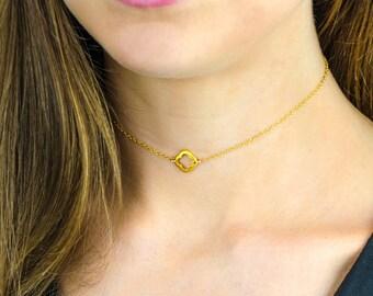 Tiny Quatrefoil Choker necklace, Black choker, Clover Choker in Black Silver, Gold, Dainty clover Necklace, layered necklace Dainty Choker