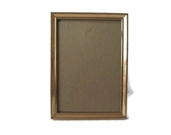 "Vintage Gold Frame With Glass      5""X 7"" Photo Frame"