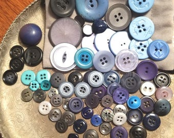 Mixed lot of Blue buttons