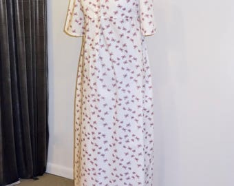 """Readymade Regency Button Front Gown, White with Pink Butterflies, 37"""" Bust"""