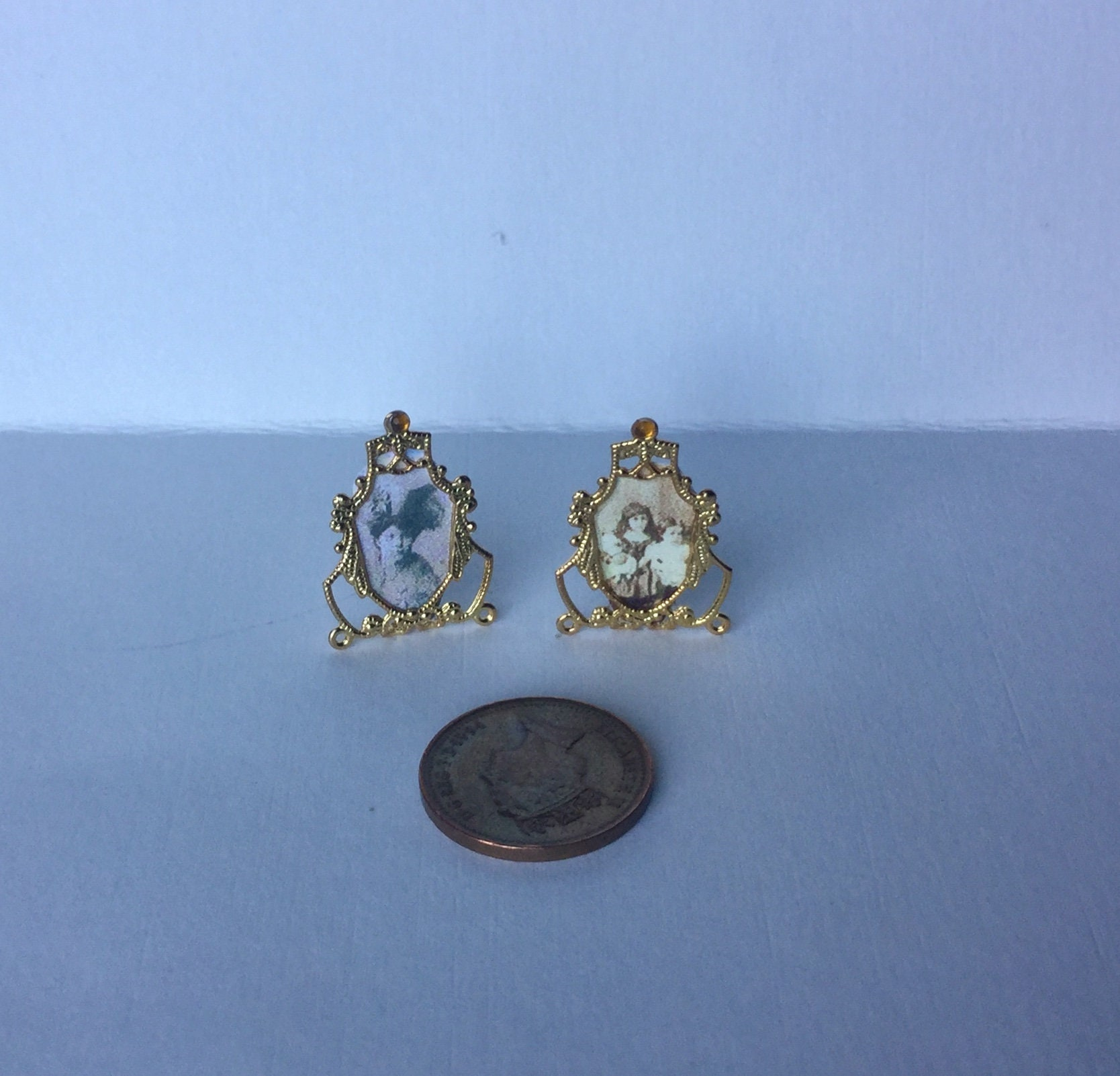 1:12th Skala Puppenhaus Miniatur Deko paar goldfarbene