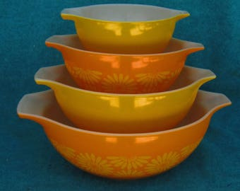 Pyrex Glass Mixing Bowl Set Cinderella Daisy or Sunflower 4 Piece