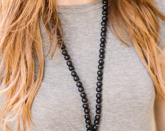 The Simple Oyster Shell {Black}