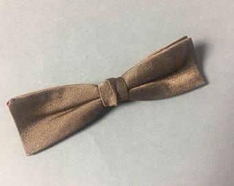 Vintage bow tie / vintage clip on bow tie / 1940s 1950s 1960s bow tie / brown
