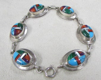 Sterling Silver Link Bracelet with Synthetic Stone Inlay Cabs