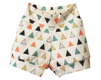 NEW! baby shorts in prism triangles print, organic baby shorts, bloomers, toddler shorts, baby clothes, organic toddler shorts, girl shorts
