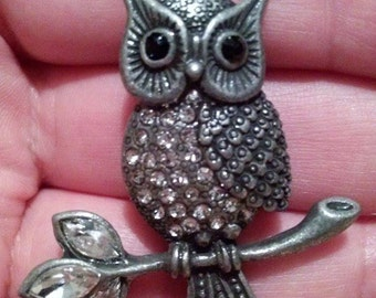 Silver Antiqued Owl Pendant / Vintage / Retro / Owl Pendant / Owl Pendant With Rhinestones / Rhinestone Owl / Silver Owl Pendant / Antique