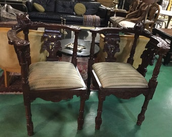 Pair of Spanish Hand-Carved Corner Chairs or tête-à-tête
