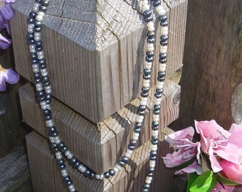 Black and White Button Pearls  P302