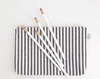 "STRIPED POUCH / clutch bag, make-up bag, pencil case / cotton black and white / 6.5""x9"" / gold zip / la petite boite / handmade in quebec"