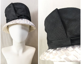 Vintage 50s 60s Black & White Straw Mod Bucket Hat / Mid Century 1950s 1960s White Straw Black Contrast Lamp Shade Hat