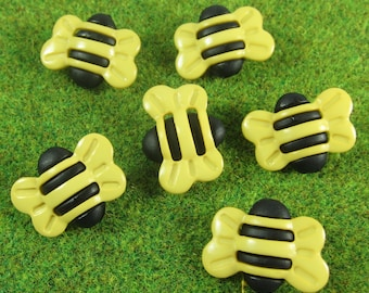 Large Bumble Bee Novelty Buttons