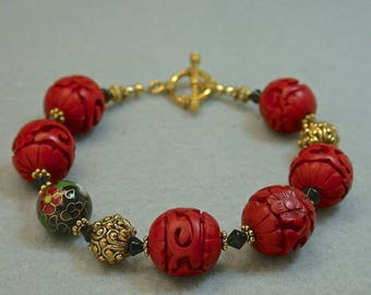 Vintage Chinese Red Cinnabar Bead Bracelet, Vintage Chinese Black Cloisonne Beads,Vintage Black Crystal Beads, Gold Toggle Clasp
