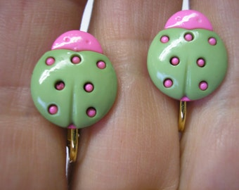 """Play Earring - Clip - Ladybug - Green/Pink - 5/8"""""""