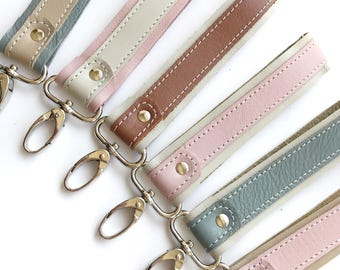 Leather Keychain - You choose the colors and finishes - Wristlet strap Key chain - Key Holder - Key Fob Wristlet