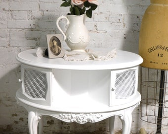 Painted Cottage Chic Shabby Pair of End Tables ENT153