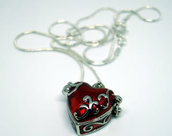 Alice in Wonderland Card and Queen of Hearts opening locket necklace - gift set