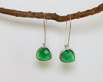 Emerald Earrings - Silver Dangle Earrings - Stone Earrings - Drop Earrings - Birthstone Earrings - Green Earrings  - Emerald Jewellery