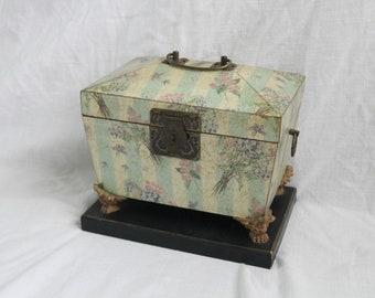 Vintage Floral Chest With Lid: Organizer Box, Flower Storage box