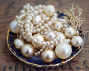 Vintage Glass Pearl Lot Mixed Lot of Pearls Cream Off White Pearl Lot (as pictured)