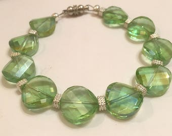 Light Green Wavy Bracelet, Bracelets for Women, Beaded Bracelets, Green Bracelet,  Womans Bracelet, Green Beaded Bracelet