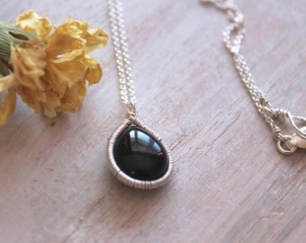 Delicate Gemstone Necklace- Onyx Teardrop- Sterling Silver-Gemstone Jewelry- Layering Necklace-Modern Jewelry