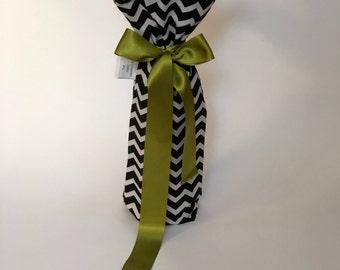 Stylish and fun reusable wine gift bag - black & white zigzag with classy golden fringe