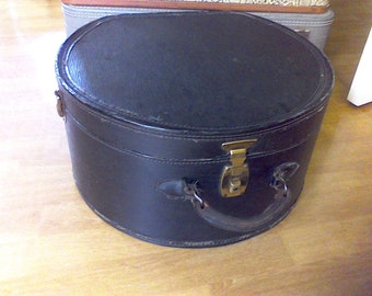Round Train case, suitcase ,old luggage, Black, movie prop, photo prop, leather handle