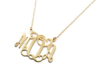 "Monogram necklace. 0.8"" Personalized Necklace.18k Gold plated. Gift for her. Monogram jewelry. Gold monogram necklace. Gold initial jewel"