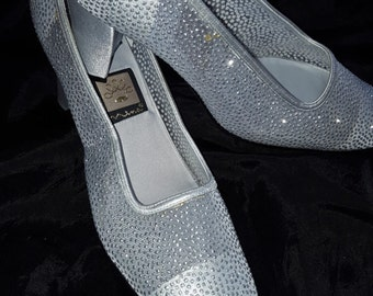 "RETRO Nina  Shoes  Size 8m  Silver Glitter Dots 3"" Heel Pumps Bridal Bridesmaids Prom Evening Fun  or Mother of the Bride"