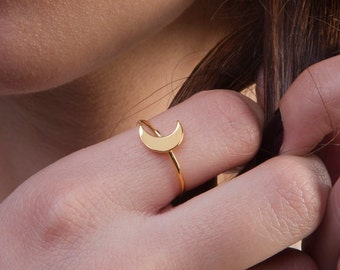 Gold moon ring, Solid gold crescent, K 14 crescent ring,  Moon ring, Minimal moon ring, Geometric jewelry, Everyday jewelry