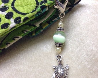 Turtle Zipper Pull Charm- Green Key Chain Charm- Crochet Stitch Marker, Wallet Purse Accessory