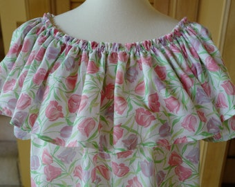 Ruffle neck tulip print blouse